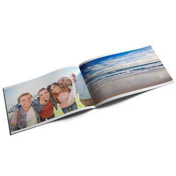 Álbum fotográfico A6 da Lovephotobooks com capa mole, horizontal